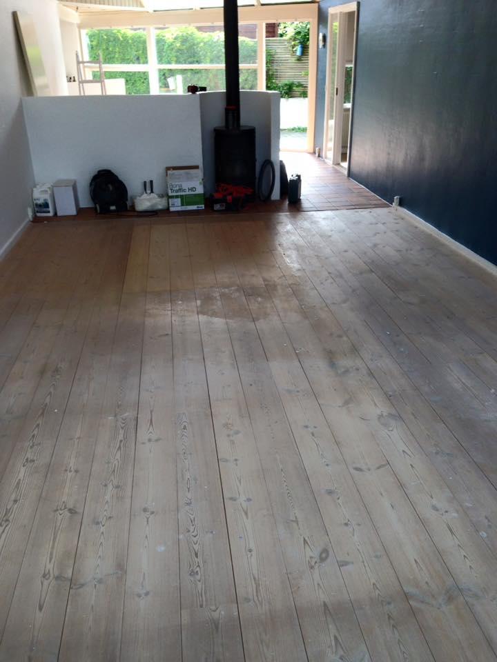 før gulvbehandling udført af gulvfirma i Solrød.